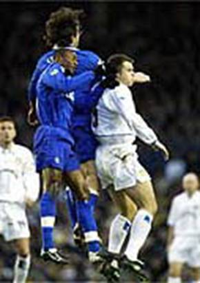 2003 Chelsea Viduka battles Mario Stanic and Marcel Desailly